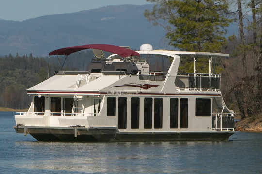 Luxury houseboat rentals in california for Houseboats for rent in california